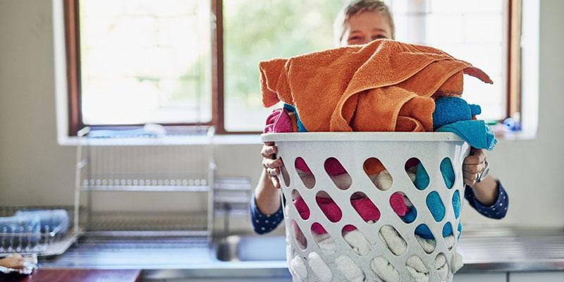 Mẹo giặt quần áo mới đúng cách bằng máy giặt để không bị phai màu